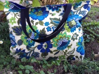 Large Tote: Aprox: 18x20 inches